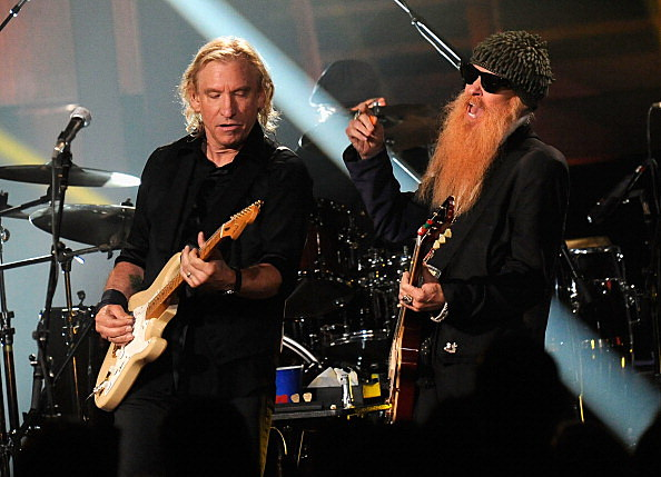 Joe Walsh performs with Billy Gibbons of ZZ Top