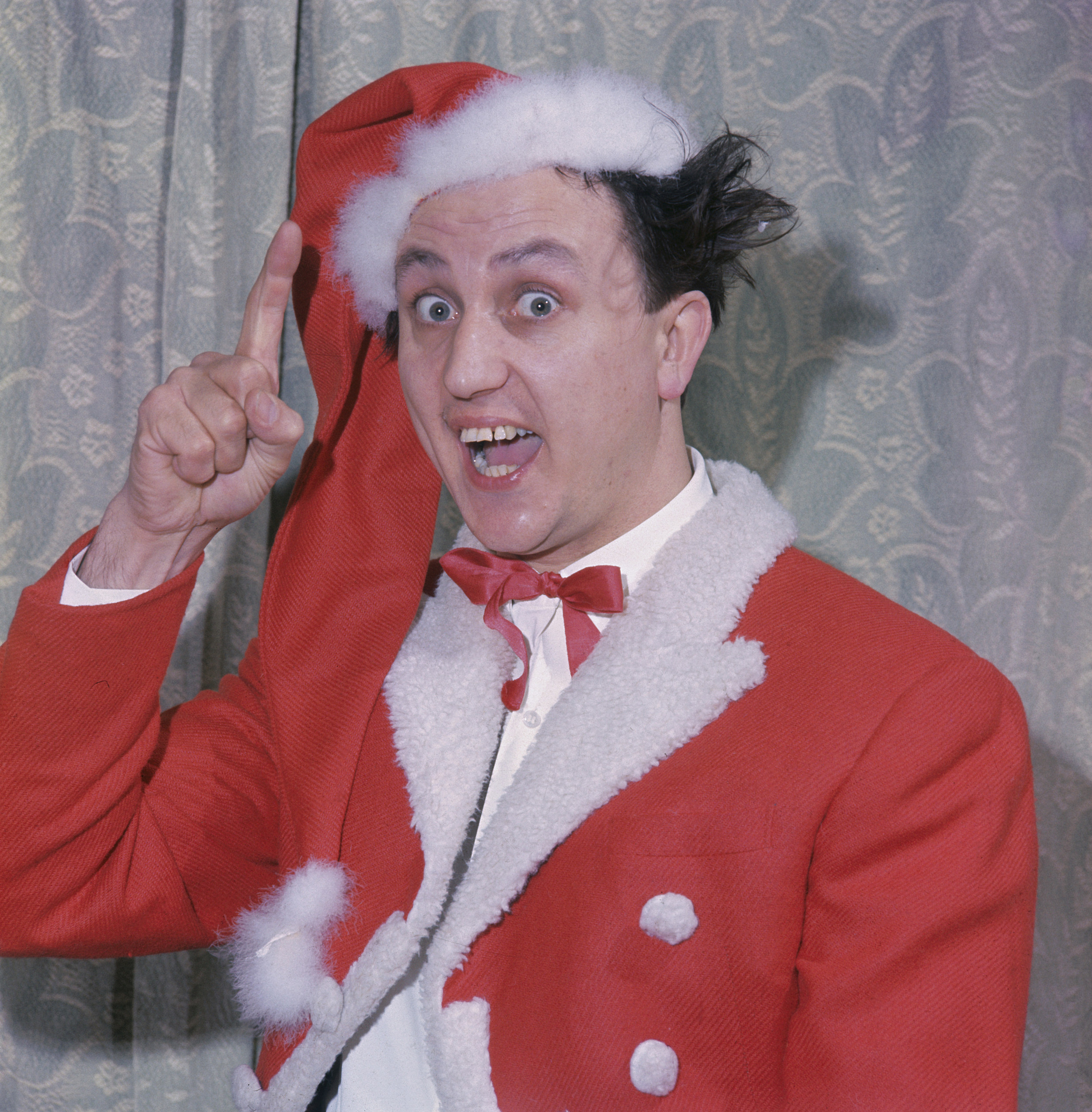 5 Obscure Christmas Songs That Make The Holiday Fun