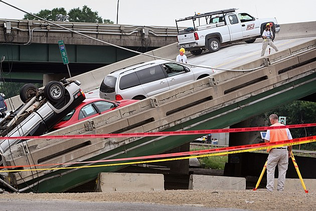 Major Freeway Bridge Collapses In Minneapolis During Rush Hour