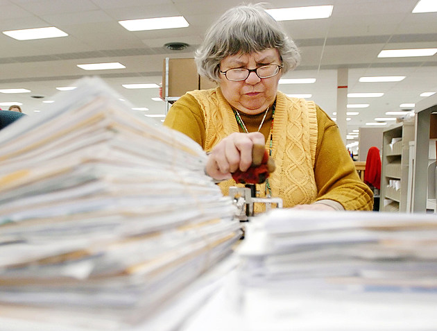 IRS Facility Processes Tax Returns A Week Before Filing Deadline